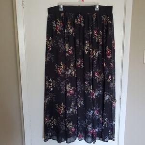 Torrid | Black & Floral Skirt